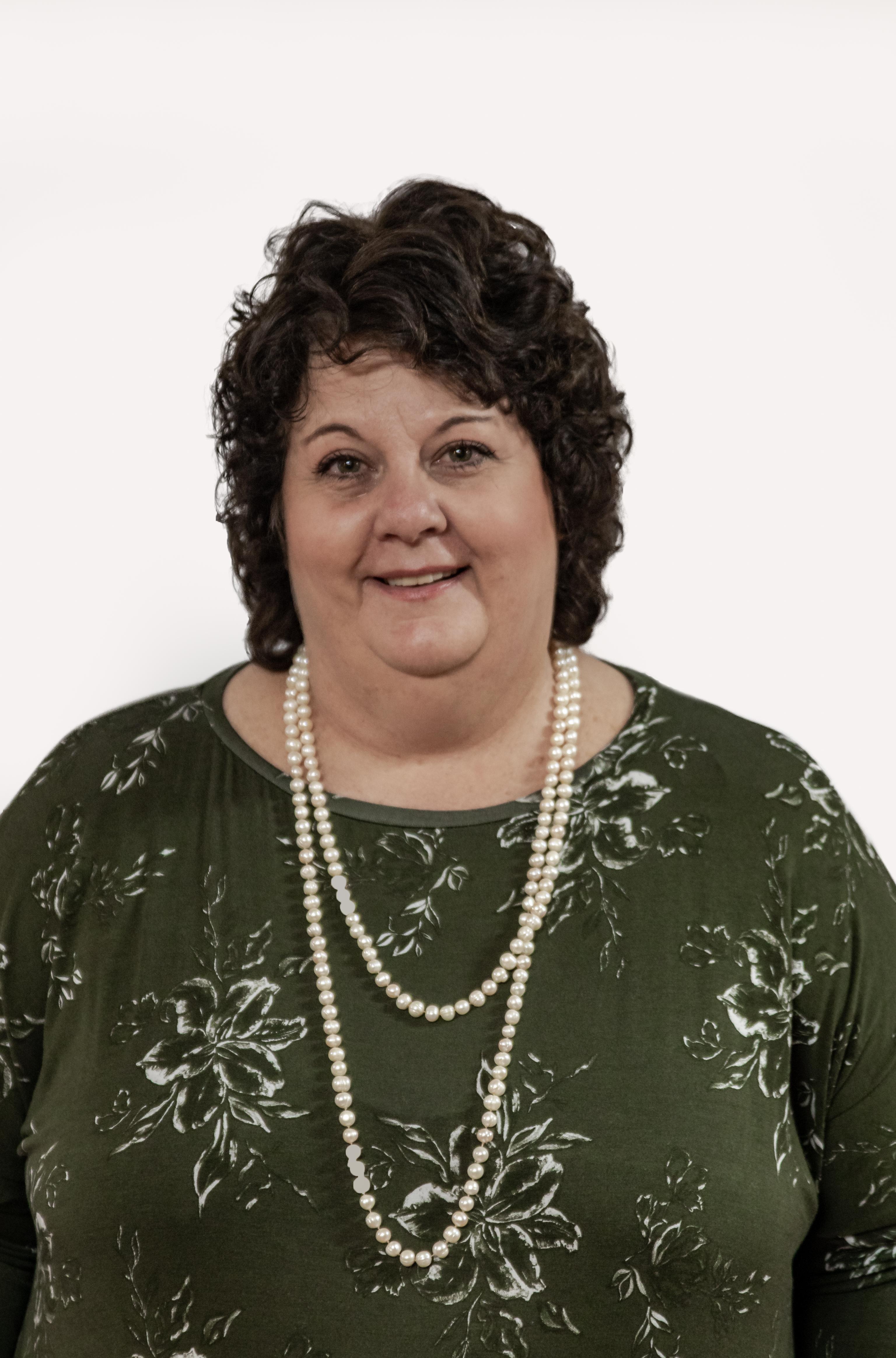 Mev. Lynette du Plessis : VERTEENWOORDIGER