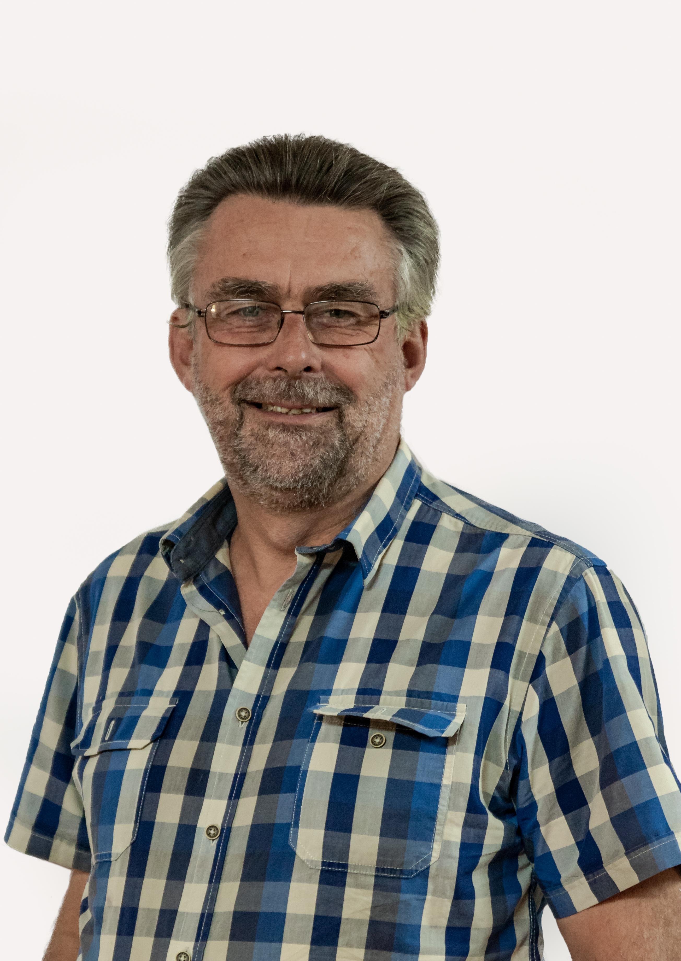 Mnr. Henk van de Graaf : VOORSITTER